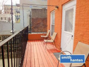 Huge 2br, 2ba with Private Deck on Smith Street in Boerum Hill